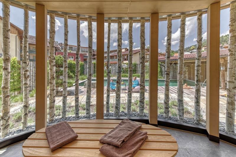 wellnesshotel im bayerischen wald regenbogenland zum kramerwirt. Black Bedroom Furniture Sets. Home Design Ideas