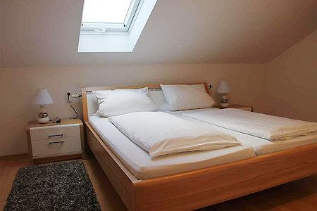 Ferienwohnung Typ B - Schlafzimmer